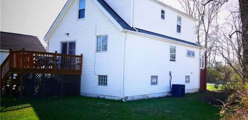 23872 Lincolnville Ave, Oakwood Village, OH 44146