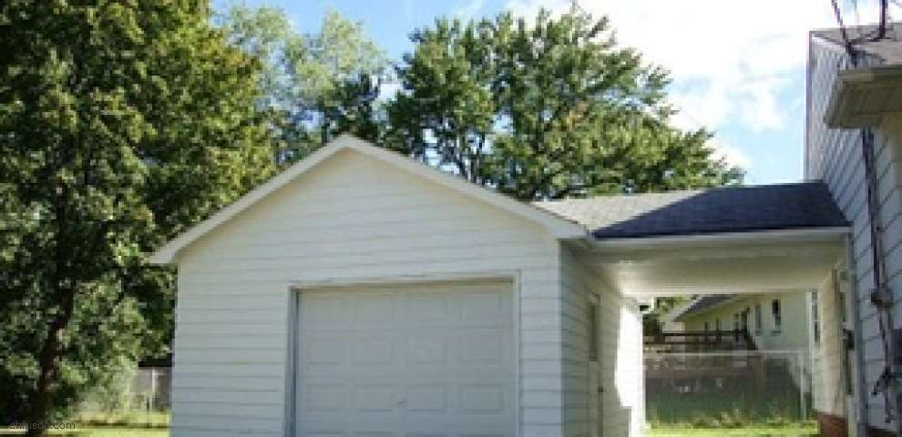 285 Marion Dr, Bedford, OH 44146