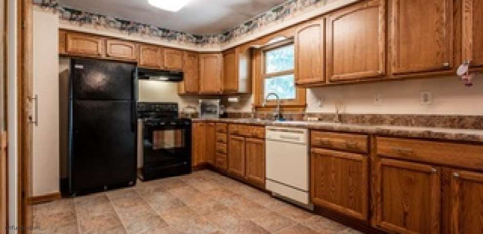 1275 New Milford Rd, Atwater, OH 44201