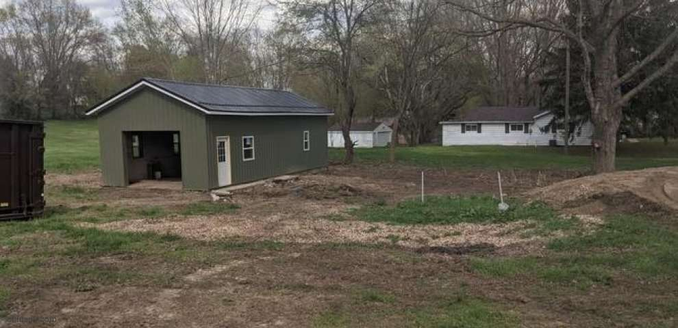 6849 Hampsher Rd, Clinton, OH 44216