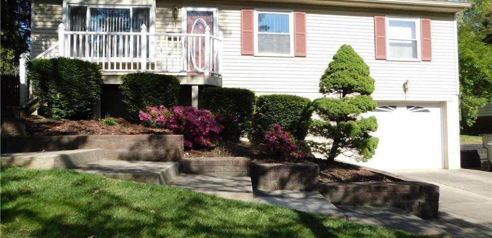 1889 Vancouver St, Cuyahoga Falls, OH 44221