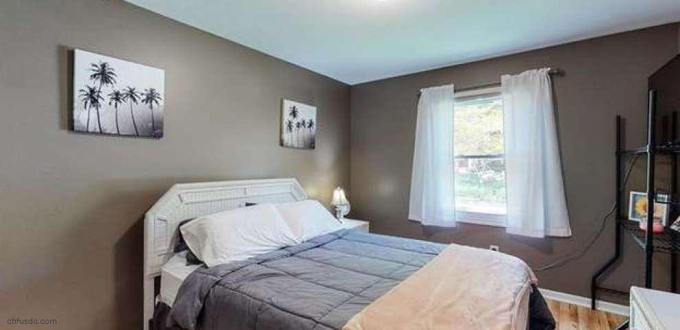 2820 Laurel Woods Blvd, Stow, OH 44224