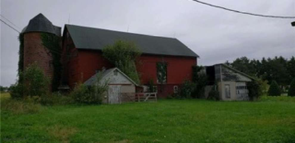 9325 Slagle Rd, Garrettsville, OH 44231