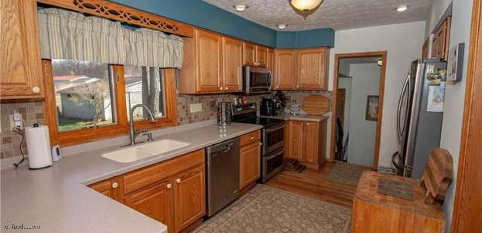 8463 Rodgers Rd, Lodi, OH 44254