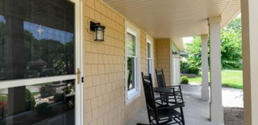 1062 Brookpoint Dr, Medina, OH 44256