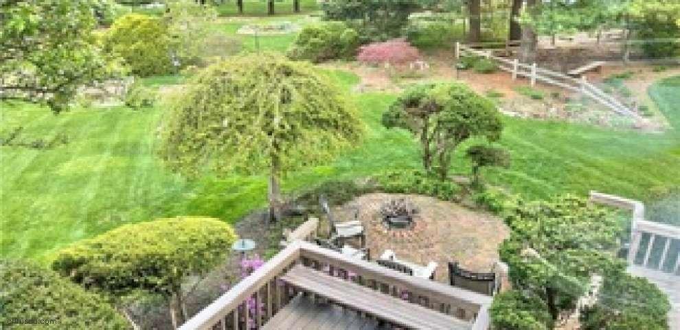 80 Spring Garden Dr, Munroe Falls, OH 44262