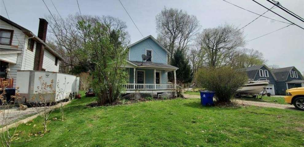 6426 Lakeview Dr, Ravenna, OH 44266