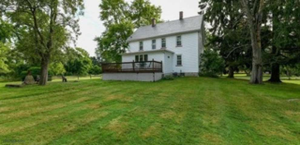 1038 Columbia Rd, Valley City, OH 44280
