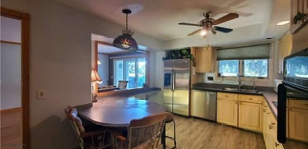 1975 Abbeyville Rd, Valley City, OH 44280