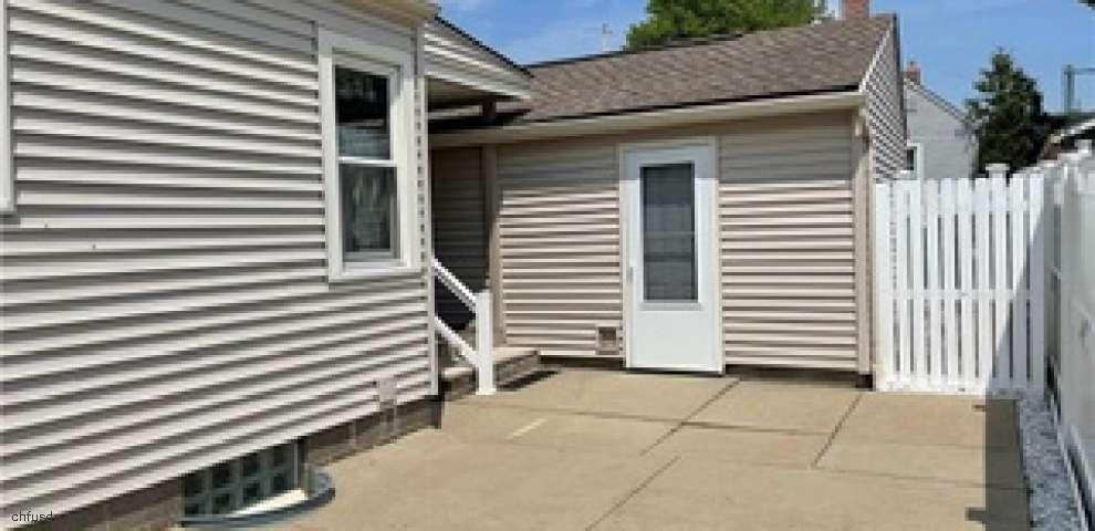 102 W Ralston, Akron, OH 44301