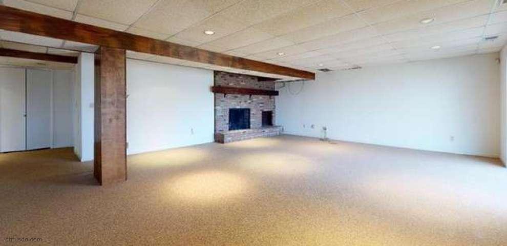 871 Belleau Wood Dr, Akron, OH 44303
