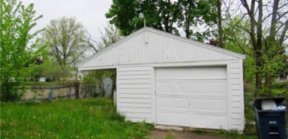 861 E Archwood Ave, Akron, OH 44306