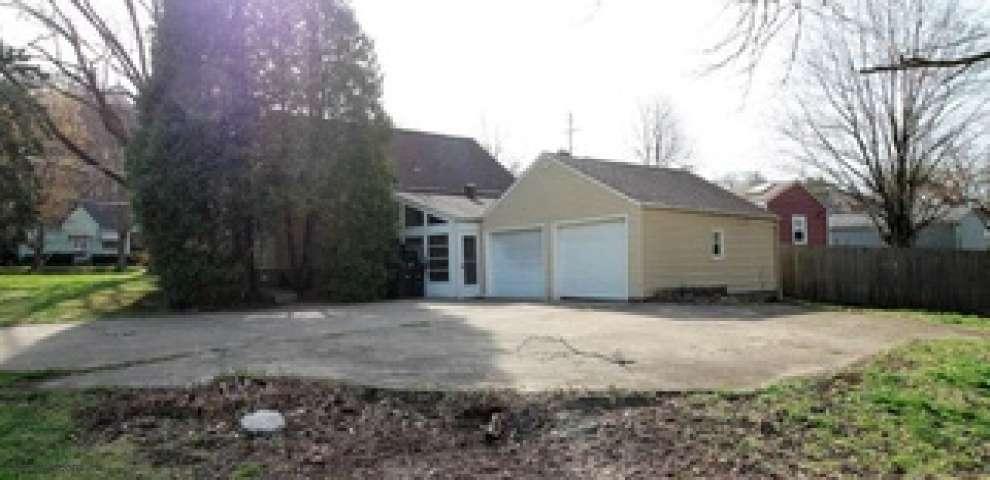 1712 Breiding Rd, Akron, OH 44310