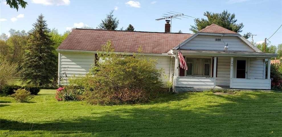 1369 E Turkeyfoot Lake Rd, Akron, OH 44312