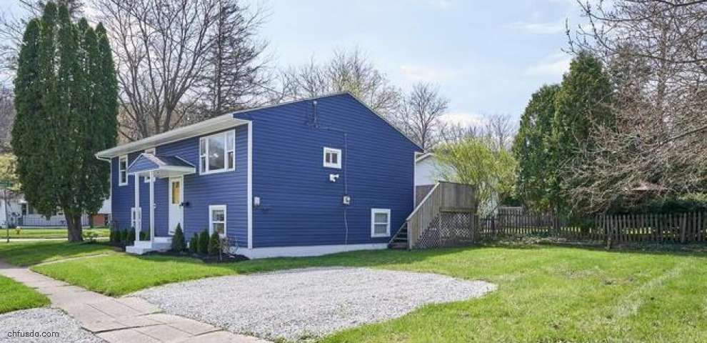 1174 Madrid Dr, Akron, OH 44313