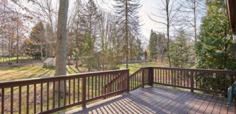 883 Meadow Wood Ln, Copley, OH 44321