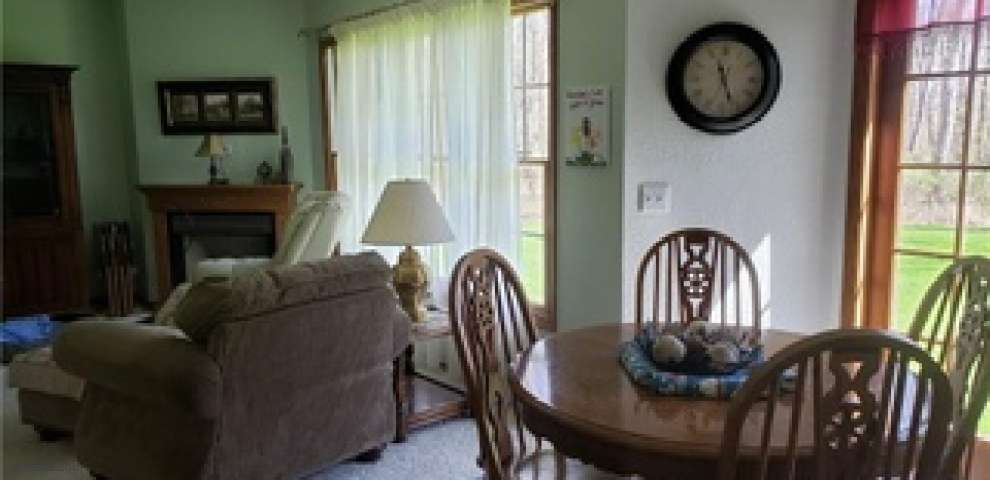 6778 Oakfield North Rd NW, Bristolville, OH 44402