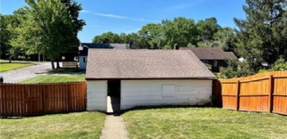 329 Porter Ave, Campbell, OH 44405