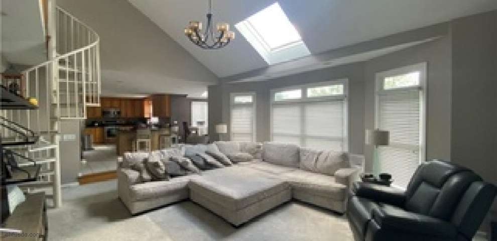 110 Montgomery Dr, Canfield, OH 44406