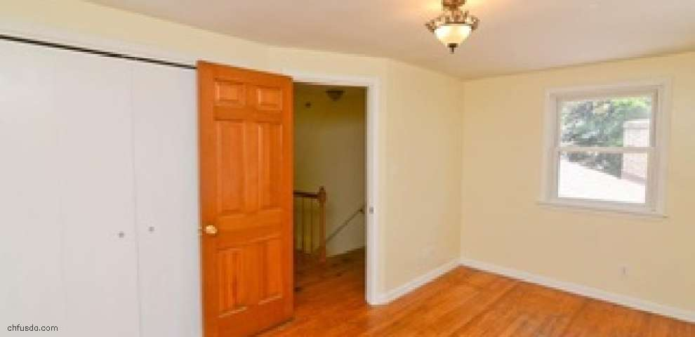 131 Chapel Ln, Canfield, OH 44406