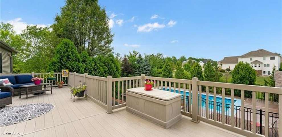 160 Sandstone Ln, Canfield, OH 44406