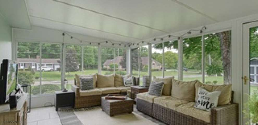 6196 Chidester Dr, Canfield, OH 44406