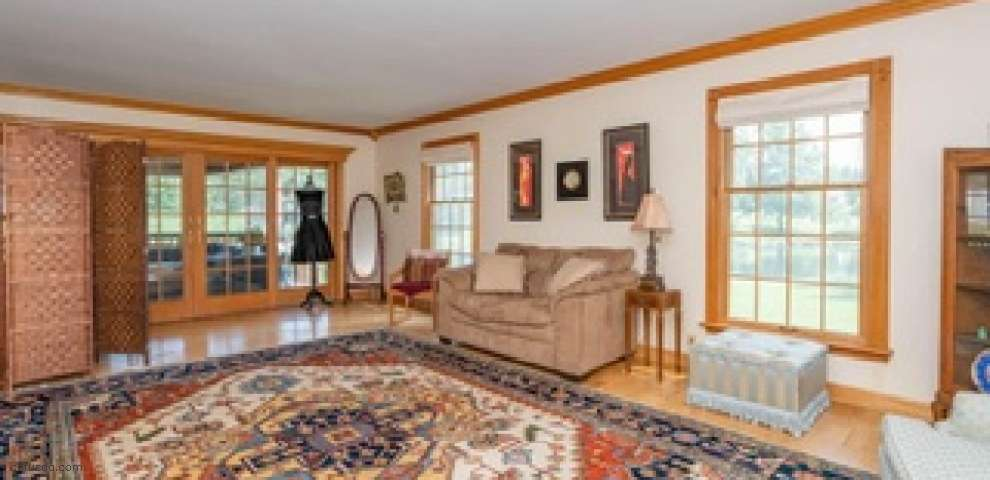 6671 Leffingwell Rd, Canfield, OH 44406