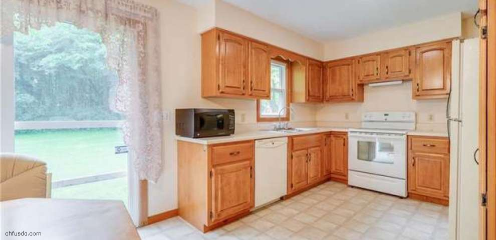 1280 Sterling Dr, Cortland, OH 44410