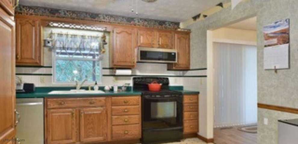 2361 Wilshire Dr, Cortland, OH 44410