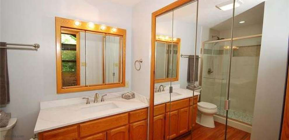 5262 Cottage Dr, Cortland, OH 44410