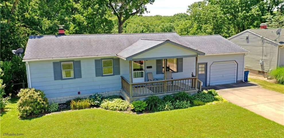 3666 Oakview Dr, Girard, OH 44420