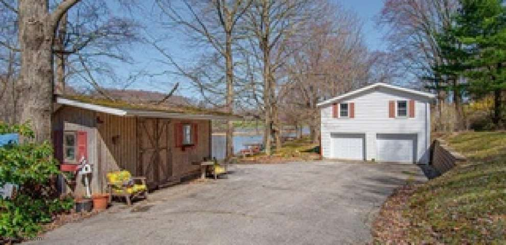 6270 Lakeview Rd, Hanoverton, OH 44423