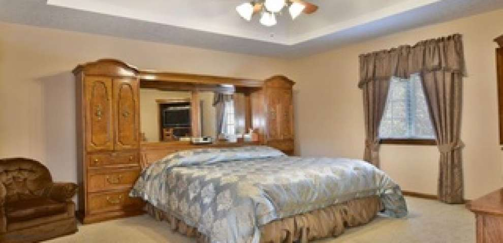 445 5th Ave, Hubbard, OH 44425