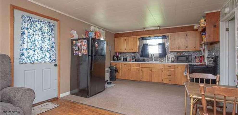 15901 Fink Rd, Kensington, OH 44427