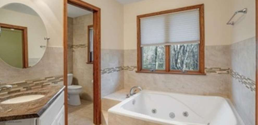 100 Lakeview St, Lake Milton, OH 44429 - Property Images