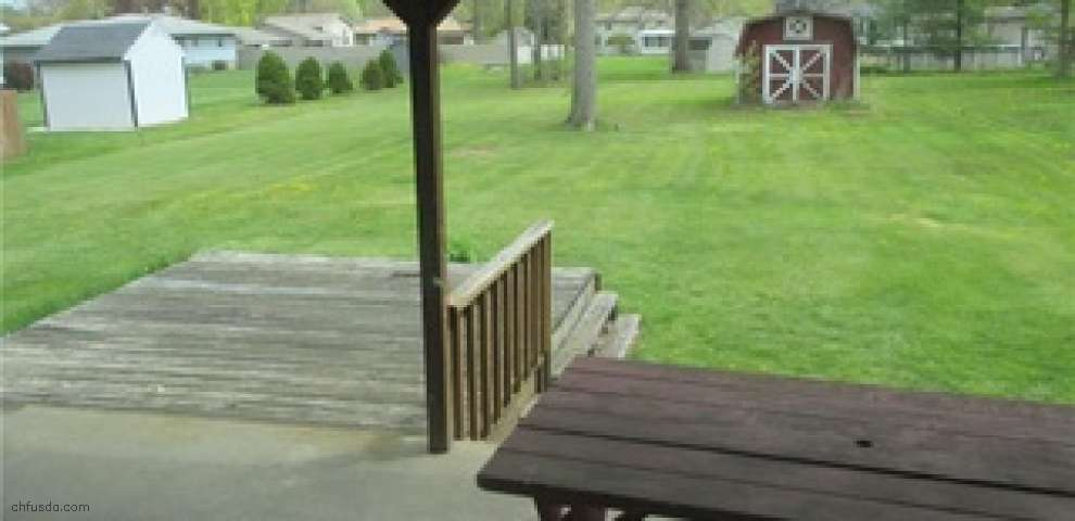117 Robinwood Dr, New Middletown, OH 44442