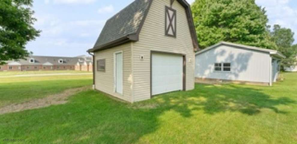148 Circleview Dr, New Middletown, OH 44442