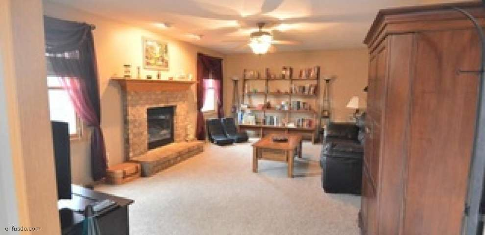 4251 W Cotton Candy Ct, New Middletown, OH 44442