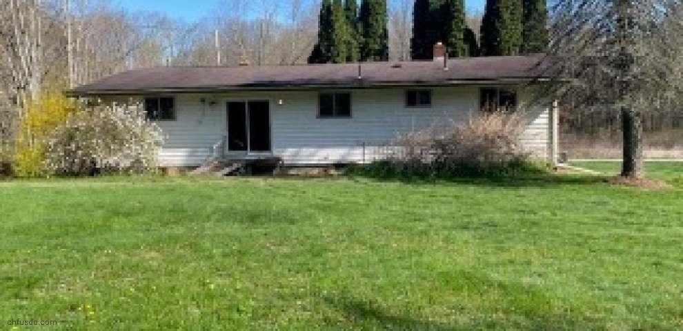 4959 Oviatt Windham Rd, Newton Falls, OH 44444