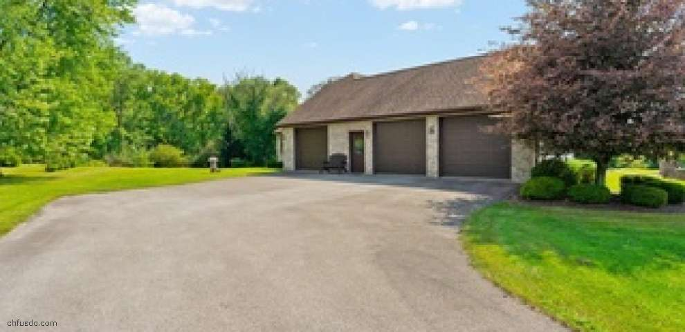 425 Spring Acres Ln, North Lima, OH 44452