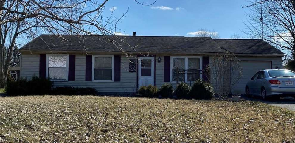145 Chapel Hill Dr NW, Warren, OH 44483 - Property Images