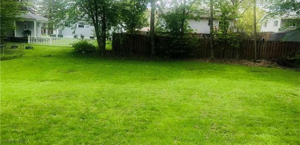 3974 Fairlawn Heights Dr SE, Warren, OH 44484 - Property Images