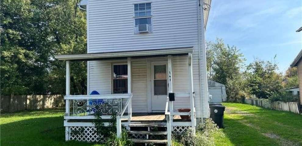 141 Delaware, Warren, OH 44485