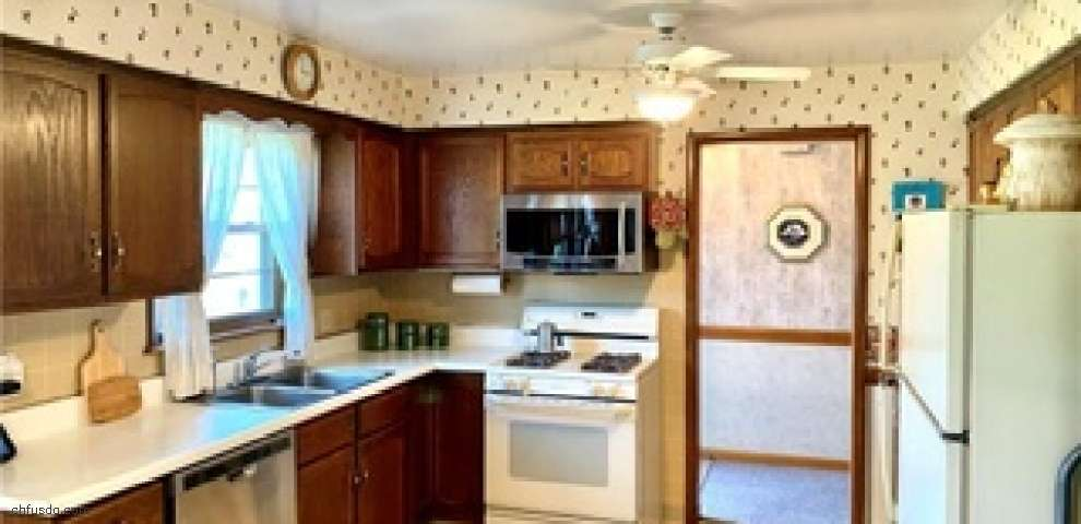 102 Mill Run Dr, Youngstown, OH 44505 - Property Images