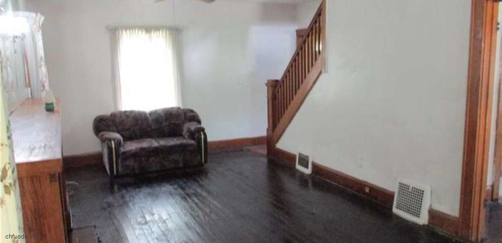 1129 Mcguffey Rd, Youngstown, OH 44505