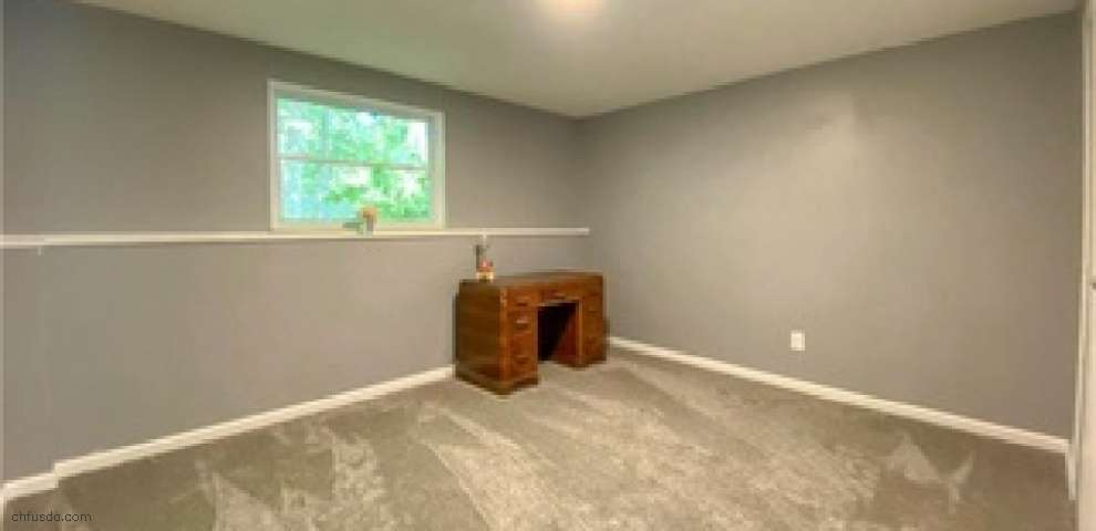 1159 Timbercrest St, Youngstown, OH 44505