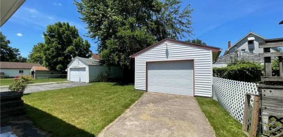 340 Marmion Ave, Youngstown, OH 44507