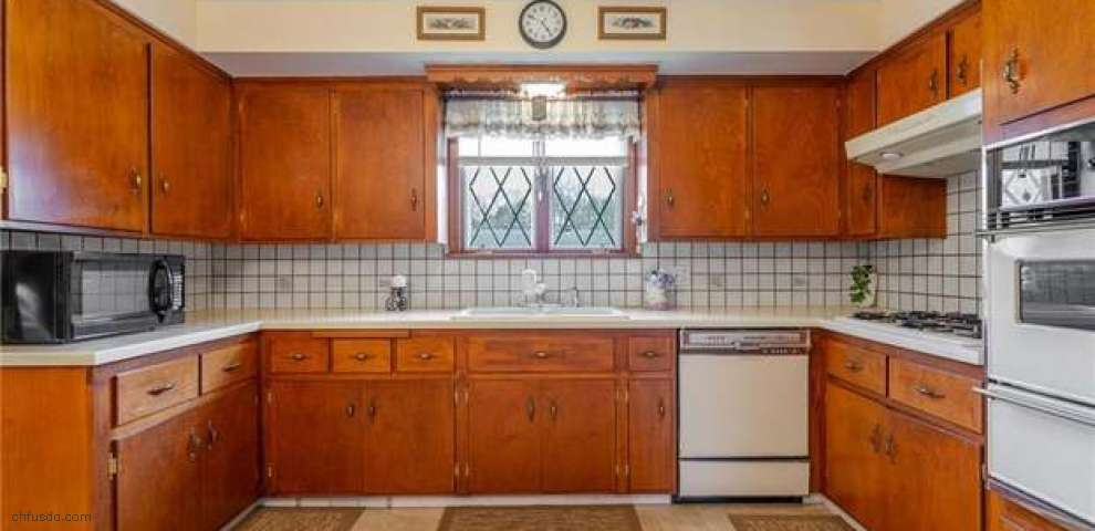1033 Old Furnace Rd, Youngstown, OH 44511 - Property Images