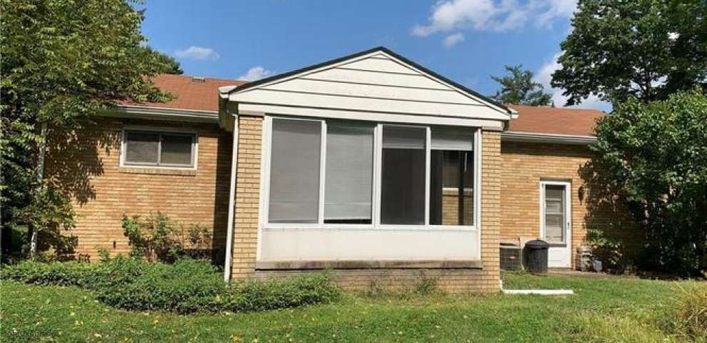 1101 Old Furnace Rd, Youngstown, OH 44511