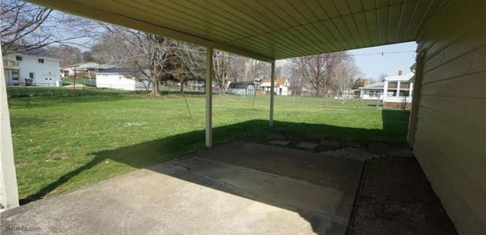 1880 S Schenley Ave, Youngstown, OH 44511